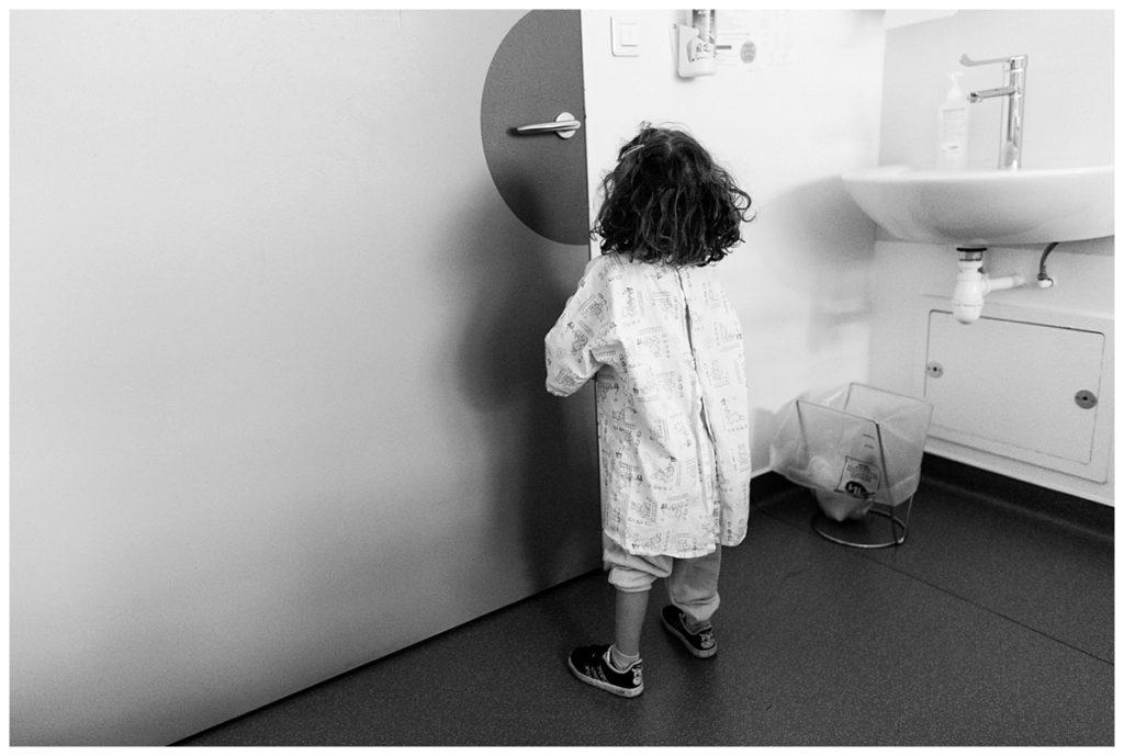 audrey guyon est photographe professionnelle en normandie et photographie le handicap à l'hôpital