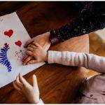 Photographies du quotidien – Quand Benjamin offre un cadeau à sa soeur