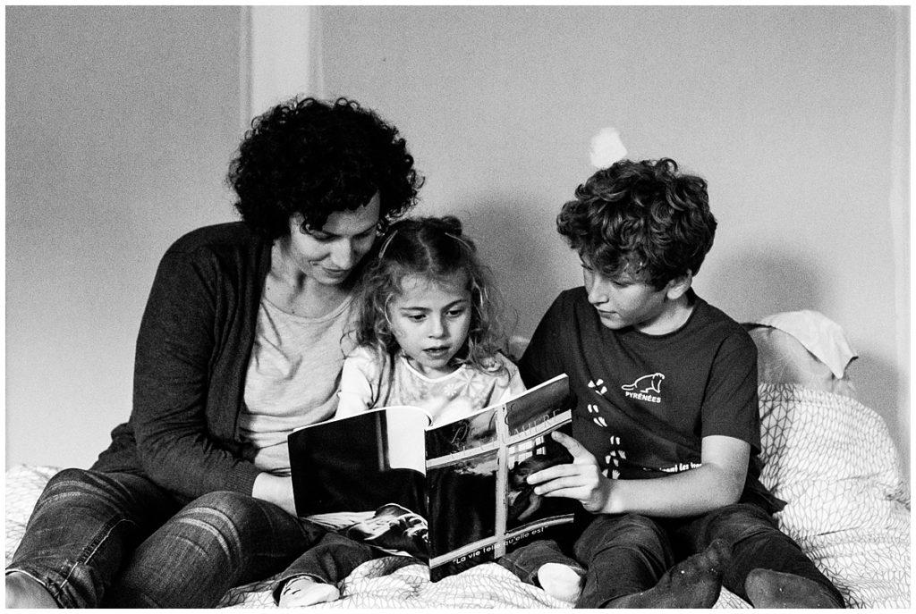 lire une histoire a ses enfants