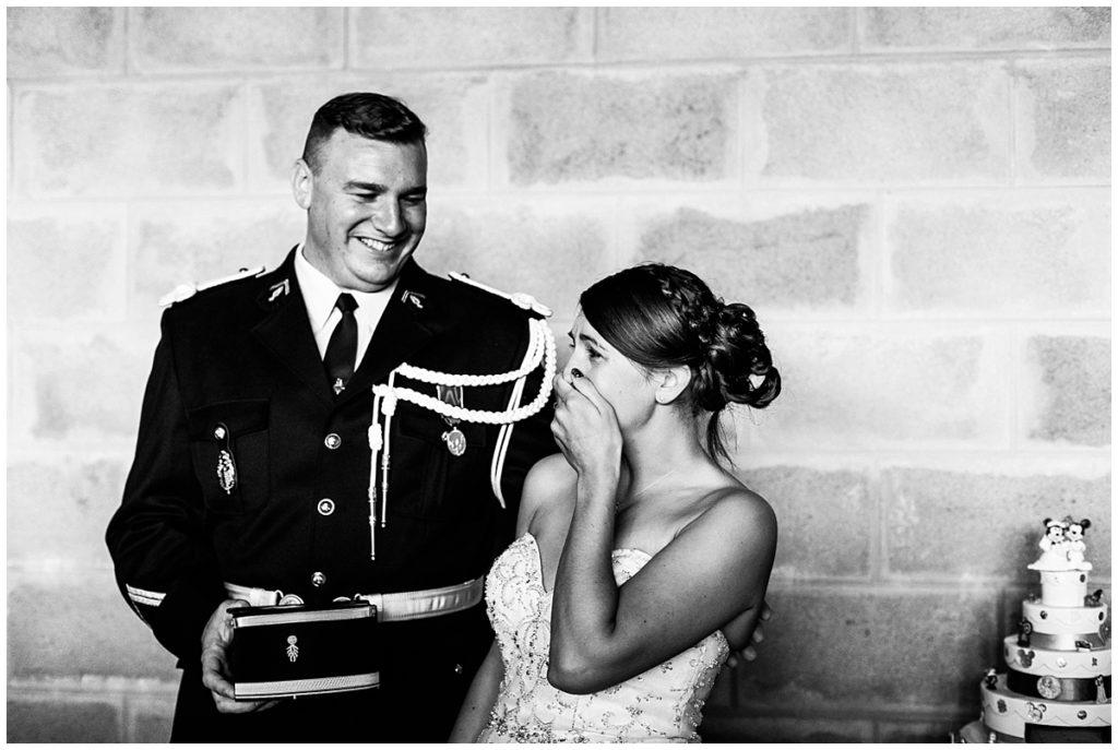 Découvrez un mariage d'émotions de gendarme sur le thème disney, photographié par audrey guyon, photographe mariage en normandie