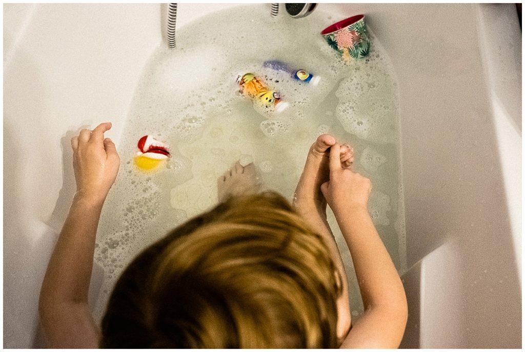 audrey guyon est photographe professionnelle en normandie et réalise des reportages photo du quotidien dans les familles