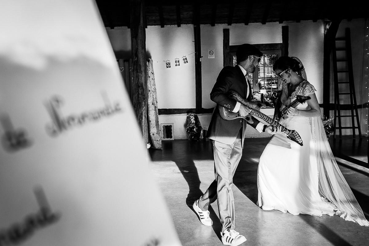 entrée des mariés sur du air guitar