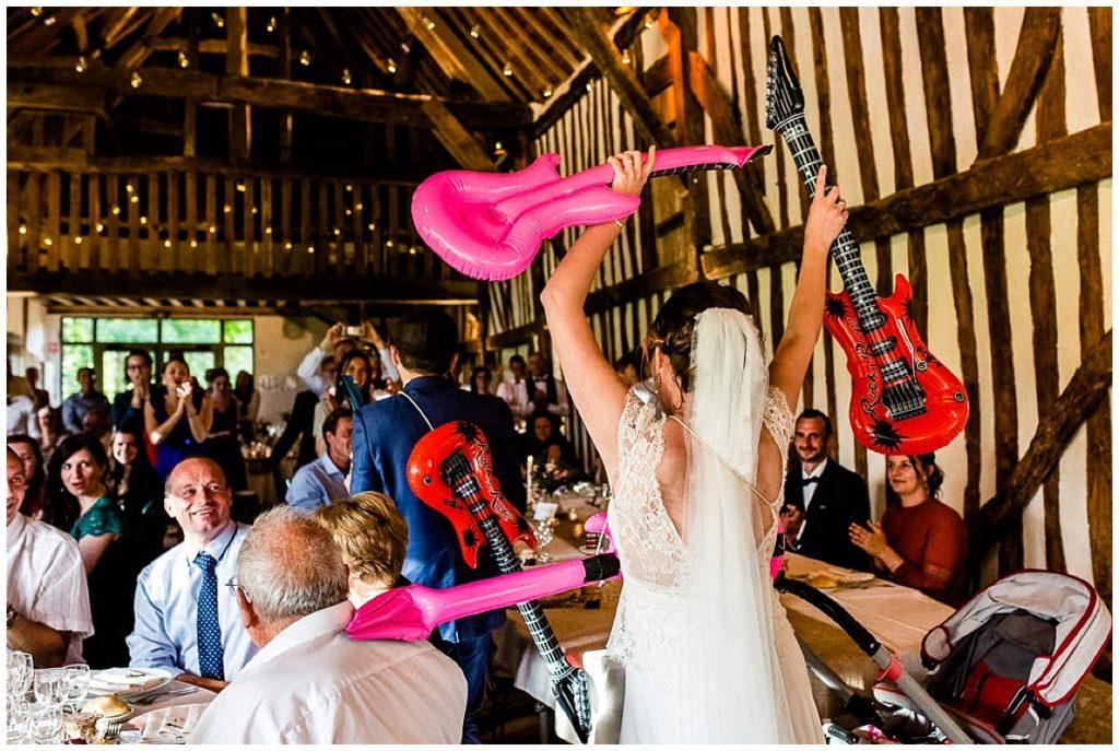 mariée air guitar
