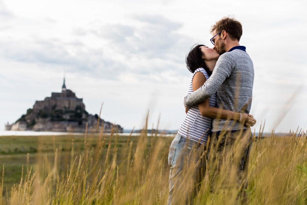 photographe mariage manche normandie couple mont saint michel