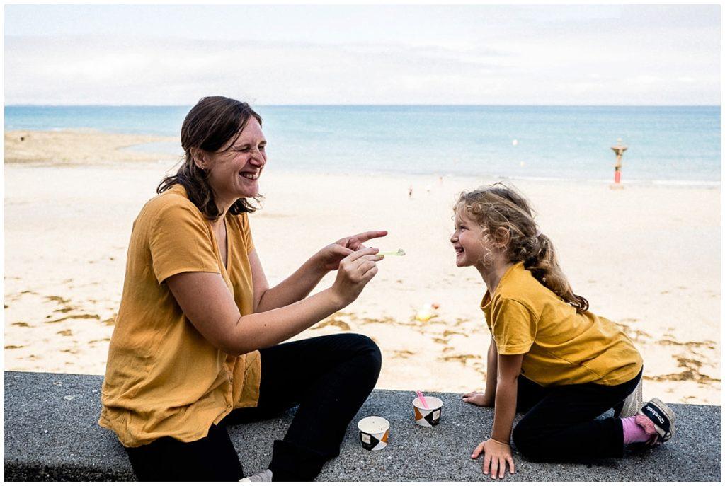 rire avec sa fille