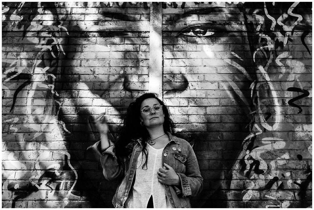 portrait noir et blanc de femme lors du workshop de luis garvan