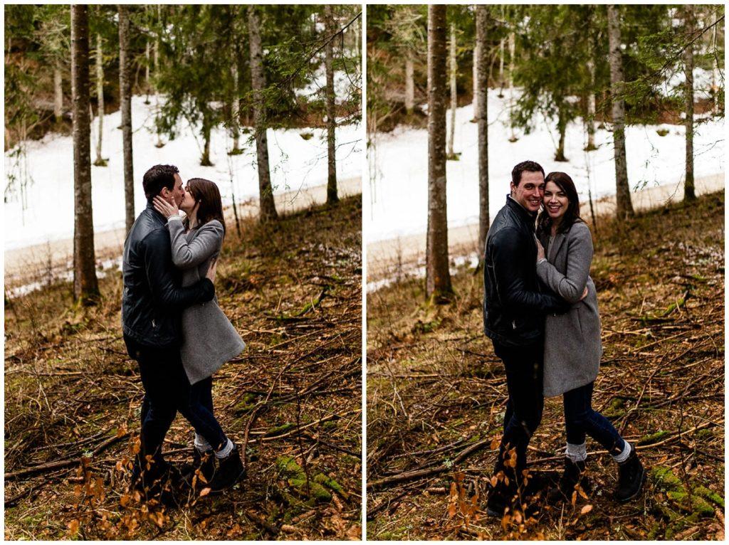 couple qui s'embrasse dans une foret suisse