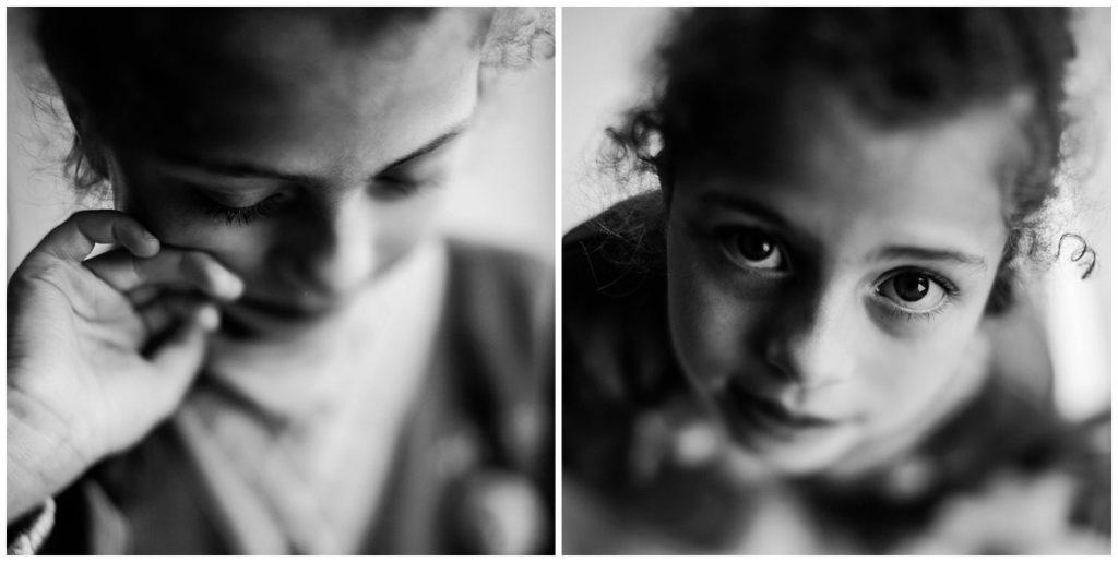 portraits d'une petite fille en noir et blanc