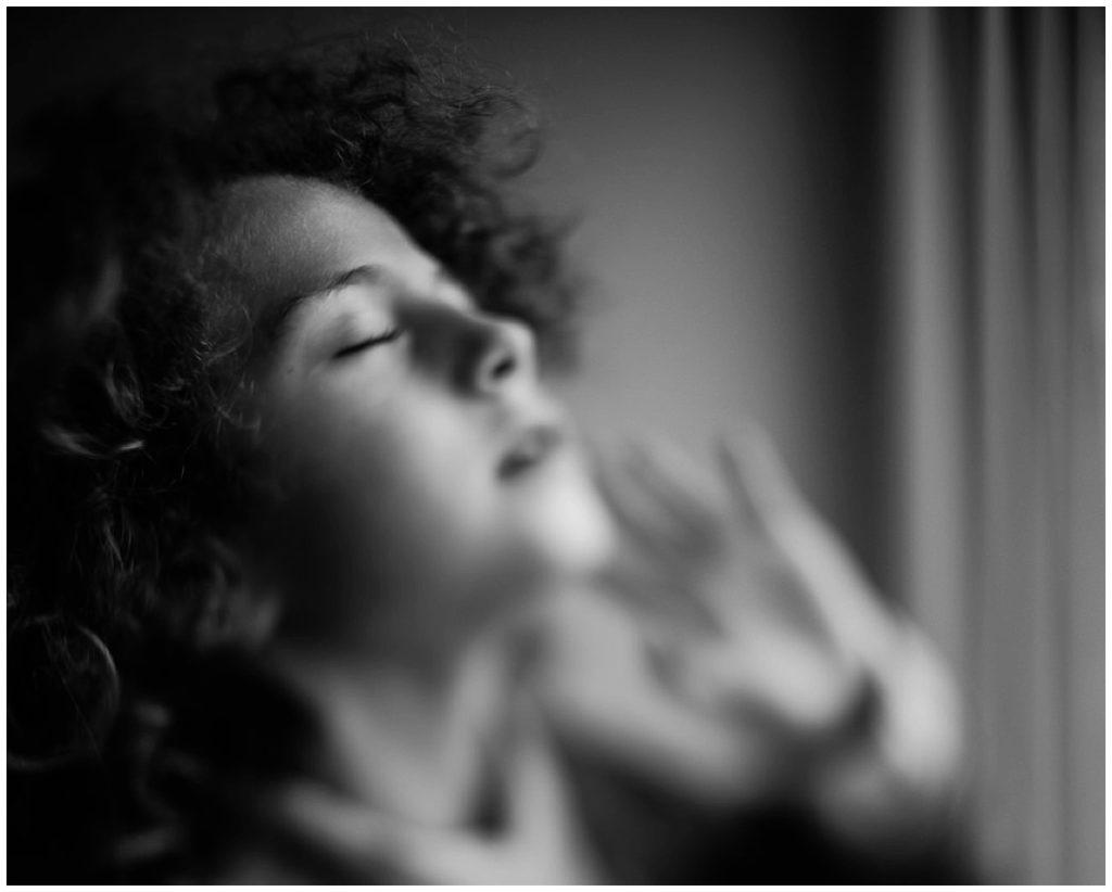 portrait d'une petite fille au freelensing, photographier l'humain