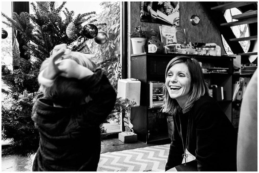 Une séance photos des préparatifs de Noël par Audrey GUYON photographe famille Normandie