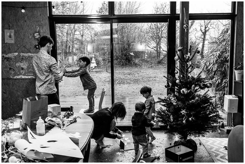 décorer sa maison pour Noël en famille, Audrey GUYON photographe famille Manche Normandie