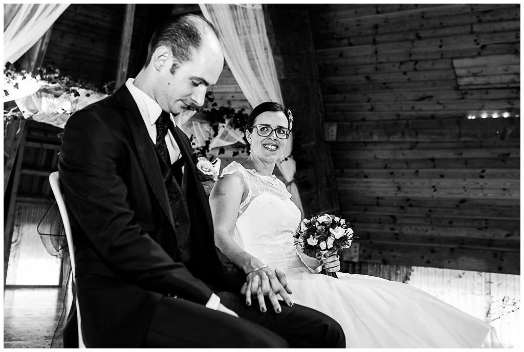 émotions cérémonie laique mariage au domaine de la guérie en normandie, audrey guyon photographe mariage normandie