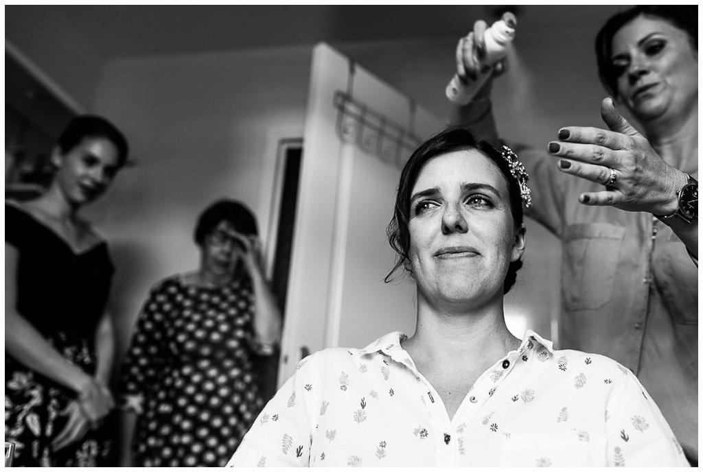 préparatifs coiffure de la mariée pour un mariage d'automne en normandie