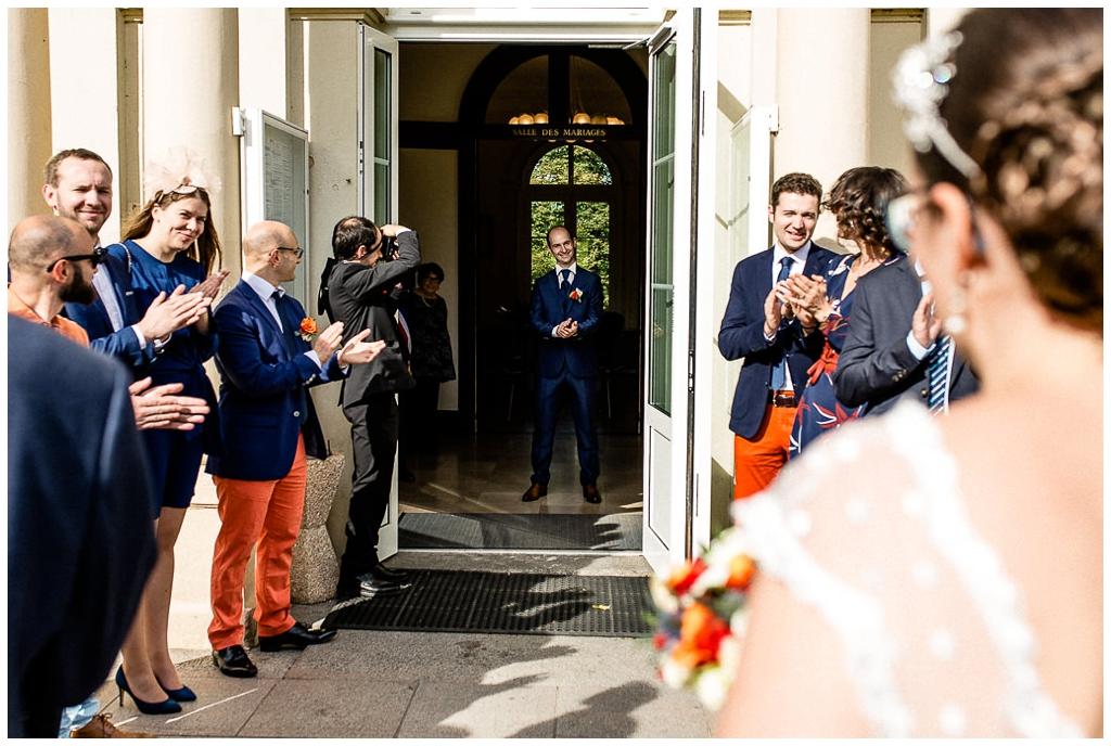 découverte des mariés à la mairie, mariage d'automne en normandie, audrey guyon photographe mariage normandie