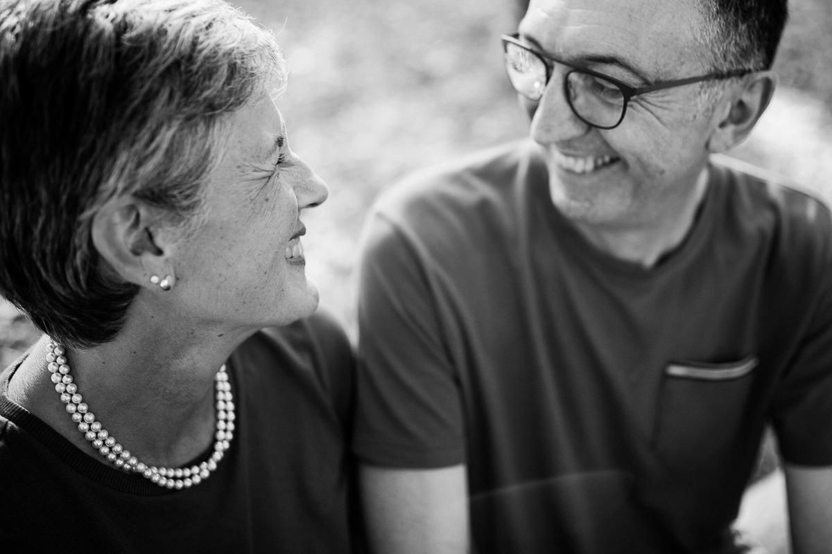 couple qui s'aime depuis 40 ans au freelensing, photographe couple normandie