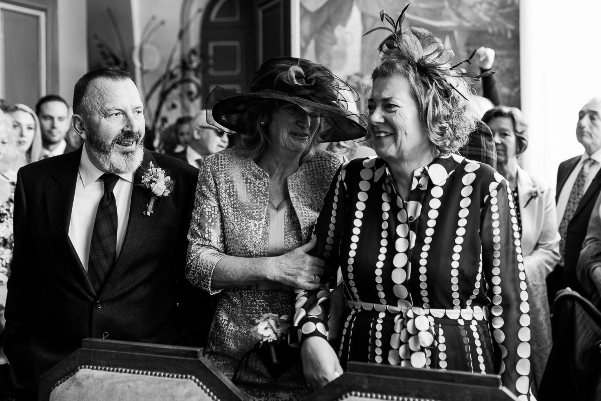 émotions parents mariage écossais en normandie par audrey guyon, photographe mariage en normandie