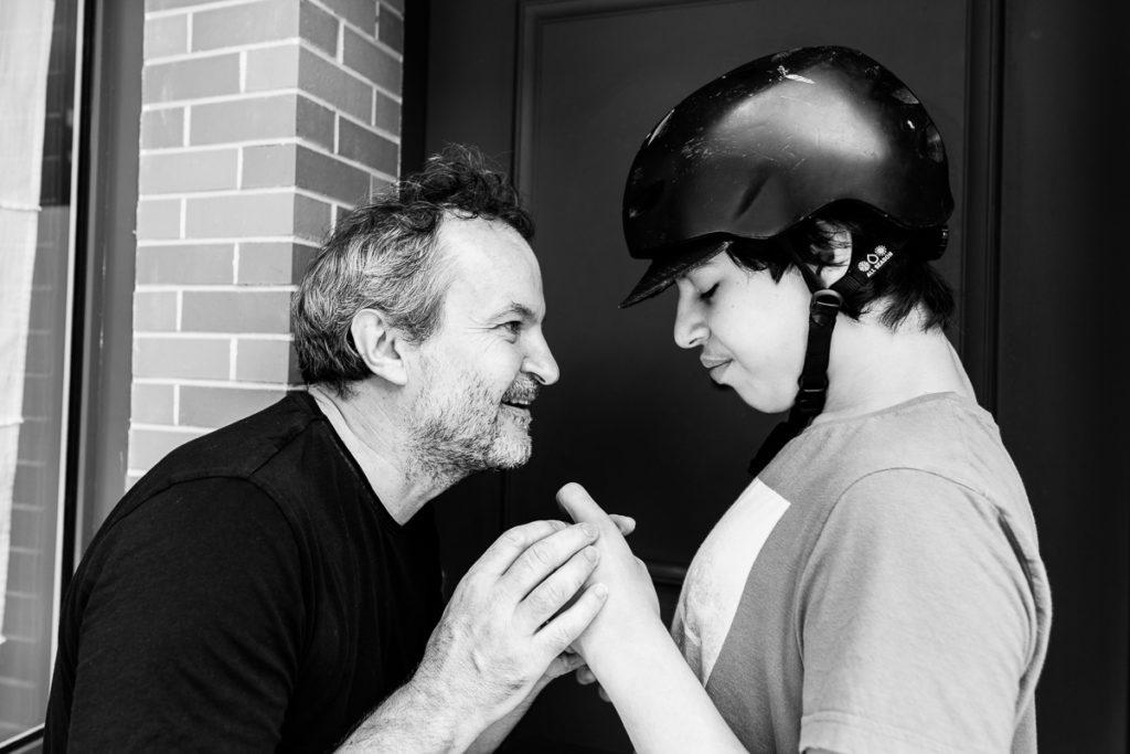 laurent savard et son fils gabin pour le projet photo autiste et alors de sos autisme france