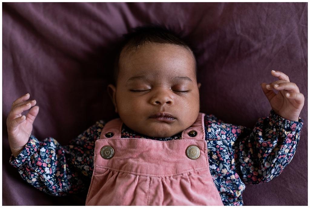 portrait bébé endormie, audrey guyon photographe famille calvados