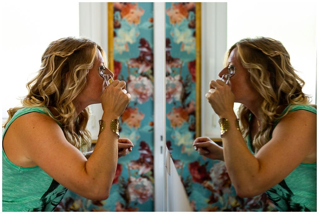 invitée mariage qui se maquille chez joakim coiffeur barbier caen, photographe mariage caen audrey guyon