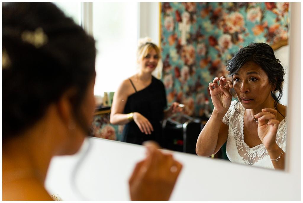 émotions de la mariée qui se découvre, audrey guyon photographe mariage calvados